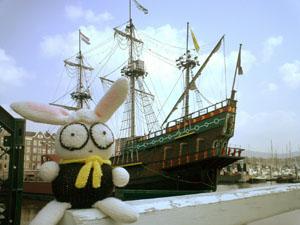 うさぎと帆船